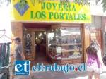GRAN GOLPE.- Pasado el mediodía de ayer, se registró el robo de más de $7 millones en joyas desde Joyería Los Portales.