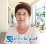 La señora María Herrera no tiene visión en un ojo, pese a que fue operada de cataratas en el Hospital San Camilo.