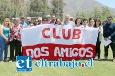 El alcalde Guillermo Reyes junto a representantes del Club Dos Amigos de Granallas.