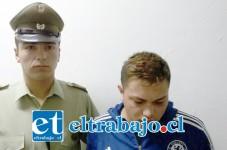 Yuri Luciano Vera Rojas tiene 18 años de edad y cuenta con un amplio prontuario policial por delitos de hurto, robo con intimidación, robo por sorpresa y violación de morada.