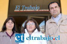 VECINOS PRESIONAN.- Ellos son los dirigentes Erika Álvarez de Villa El Señorial; Jessica Leiva de Villa Las Acacias y Luis Henríquez.