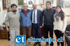 En una interesante reunión, se congregó el alcalde Patricio Freire Canto, junto a la Dirección Comunal del Partido Comunista.