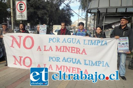 Defensores del medio ambiente marcharán en Santiago, buscando revocar el proyecto de Ley  de Protección Glaciar.