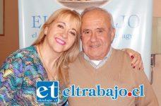 'La Regalona' Carmen Ibáñez junto a su hermano Pedro Casale en visita a nuestra casa periodística.