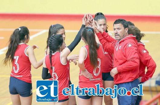 El representativo del Liceo Bicentenario Cordillera es el nuevo campeón del voleibol escolar de Chile.