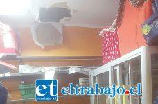 Por este forado los delincuentes ingresaron en horas de la madrugada de ayer martes, hasta la Veterinaria Alcántara de avenida Maipú 290 casi esquina Freire en San Felipe, donde robaron diversas especies.