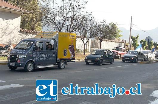 Las caravanas cruzaron por distintos puntos de la provincia de San Felipe para exigir que el menor pueda regresar con sus padres guardadores.
