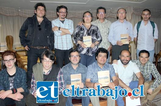 TINTA FRESCA.- Decenas de vigentes escritores de Aconcagua, asistieron a esta cita literaria, la gala de lanzamiento fue organizada por el Departamento de Cultura del Municipio.