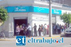 Con Fonasa y el IPS paralizados, la Caja Los Andes debió atender solicitudes de bono, provocando una larga y tediosa espera por parte de los usuarios.