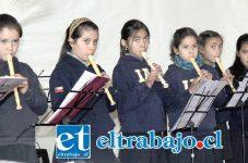 CIERRE DE LUJO.- El cierre del Mutarte se hizo con un gran concierto de cierre realizado por el conjunto de flautas traversas, del Colegio Villa Aconcagua de Con-Con, dirigidos por la profesora Mariela Martel.
