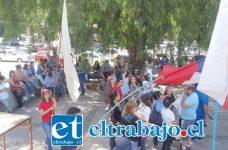 Un centenar de trabajadores del Sector Público se reunieron en la Plaza Cívica de San Felipe, donde se manifestaron contra la intransigencia del Gobierno de la Presidencia Michelle Bachelet