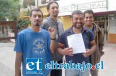 Integrantes de la coordinadora ambientalista PutaendoResiste, celebraron resolución emanada desde la Dirección General de Aguas contra compañía minera Vizcachitas Holding.