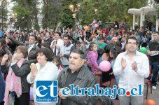 IMPARABLES.- Aquí tenemos todo el fervor religioso de los evangélicos del Valle Aconcagua, celebrando con alegría esta fecha tan especial.