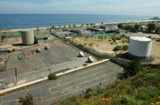 Estos son los terrenos donde funcionaron hasta el 2003 las empresas Copec, Shell y Esso (hoy Petrobás). (Foto mercuriovalpo.cl)
