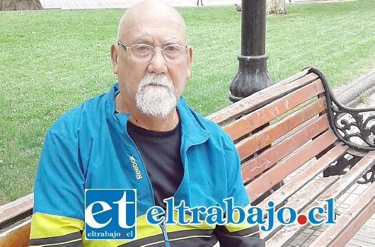 Víctor Caballero, maestro del Club Marcela Sabaj.