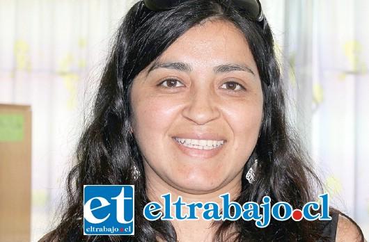 Profesora Angélica Vásquez, del equipo coordinador de esta actividad.