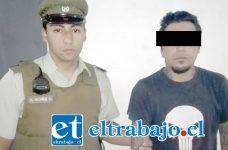 El imputado fue detenido por Carabineros, tras ser sindicado como uno de los autores del robo a un menor de edad.
