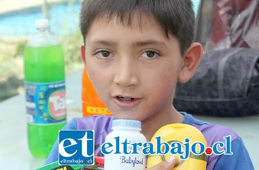 Francisco Escobar: «A mí me regalaron lo que pedí, no me esperaba esta fiesta, dan ganas de seguir estudiando y esforzándome en mis estudios».