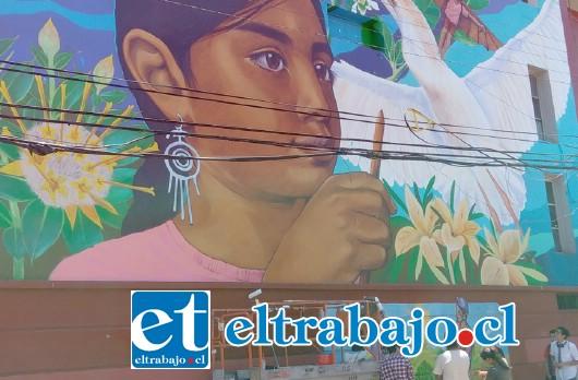 Hermoso mural de Biomimética, dará vida al frontis del Liceo Politécnico Roberto Humeres de San Felipe.