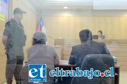 La asistente fue formalizada la mañana de ayer jueves por el delito de abuso sexual reiterado en el Juzgado de Garantía de San Felipe.