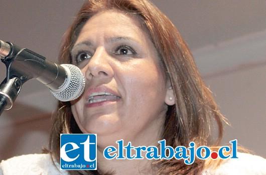 Directora de la Escuela José de San Martín, Ximena Baquedano.