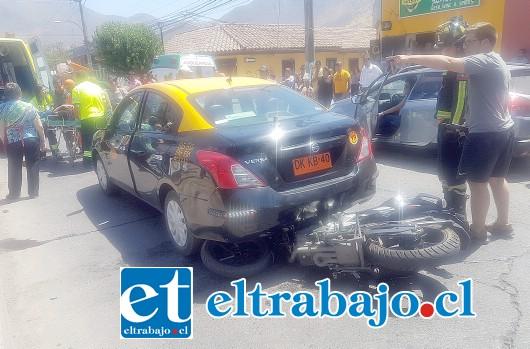 El accidente se produjo en avenida Yungay esquina San Martín de San Felipe. (Foto: @EmerVCordillera).