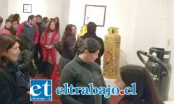ARTE DE PRIMERA.- Los sanfelipeños recibieron con entusiasmo esta exposición de arte, la que está desarrollada en cilindros de gas licuado.