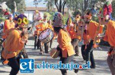 DOMINGO DE FIESTA.- Esta iniciativa organizada por Aconcagua Salmón, pretende fomentar y rescatar las tradiciones devocionales, especialmente los bailes 'chinos' del Chile central.