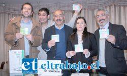 A PARTICIPAR TODOS.- Macarena Blanca hizo la presentación del concurso respaldada por concejales, el alcalde Freire y otros funcionarios del Municipio.