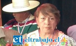 SOLIDARIDAD.- Ella es la campeona 2017 del Campeonato Comunal de Cueca, María Luisa Salinas, quien no olvidó a su amigo Osvaldo ni ha dejado de apoyarlo.