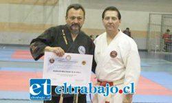 El Maestro Oscar 'Toti' Contreras (izq.) es el organizador de la Copa de la Hermandad, uno de los eventos de las artes marciales más importantes del país.