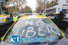 Un supuesto caso de violencia entre conductores de radio taxis y un Uber se habría registrado en San Felipe la semana pasada, según denunció una mujer en forma anónima a través de un sitio de noticias en internet. (Foto referencial).
