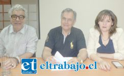 De Izquierda a derecha el concejal Juan Carlos Sabaj, Christian Beals Campos y Patricia Boffa. Falta Igor Carrasco, pero se excuso por tener que viajar a Santiago.