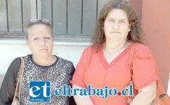 A la derecha, Jeannete Lepe acompañada de otra vecina, María Yaite.