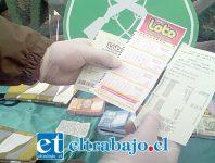 Un boleto similar llevaba la mujer de nacionalidad peruana con el cual quiso estafar a una adulta mayor.