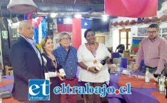 Aquí vemos la delegación cubana compuesta por la doctora Isis María Leiva directora de Comercializadora de servicios médicos cubanos y la licenciada Mercedes Abreu gerente general de Habana Tour, entre otros invitados.
