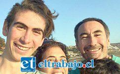 EL MEJOR.- Aquí vemos a Joaquín con sus padres, don Hugo Benavides y doña Marta Maturana, ambos siempre le han apoyado en todo.