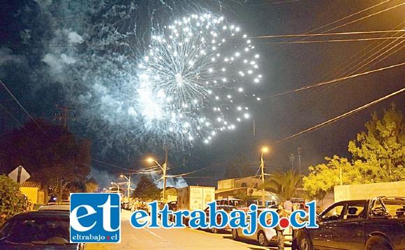 Por primera vez en su historia, hoy 31 de diciembre desde las 22:00 horas, la Capital Patrimonial de Aconcagua comenzará a despedir el 2018 y a prepararse para recibir el nuevo año con una masiva fiesta popular y un show de fuegos artificiales en el Parque Puente Cimbra. (Referencial)