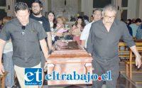 ADIÓS CARMELITA.- Los funerales de doña Luisa del Carmen se realizaron ayer lunes en la Iglesia Andacollo, y fue sepultada en el Cementerio Parque Almendral.