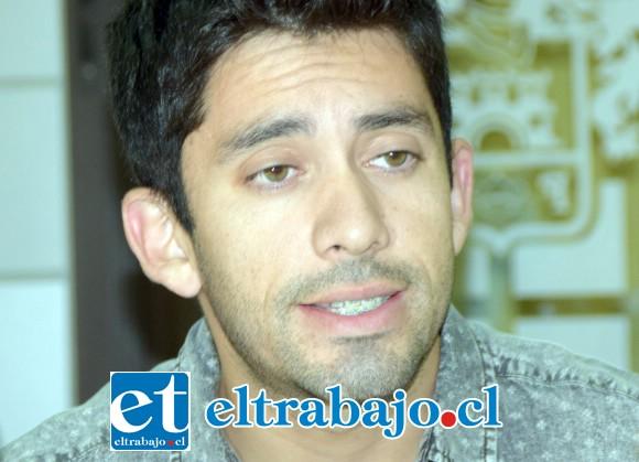 Miguel Ortiz, médico veterinario de la Municipalidad de San Felipe.