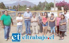Algunos vecinos del sector junto al CORE Rolando Stevenson Velasco.