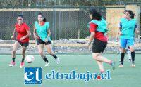 Como parte de su proceso de preparación para el decisivo partido de este fin de semana, la selección femenina de San Felipe entrenó el martes en el Complejo Deportivo del Uní Uní