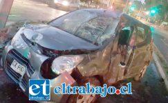 El accidente ocurrió cerca de las 06:00 de la madrugada de ayer miércoles en la avenida Santa Teresa de Los Andes.