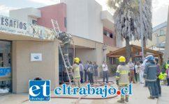Voluntarios de Bomberos lograron controlar la emergencia.