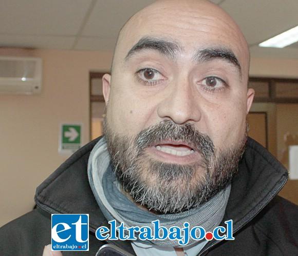 Asistente social y coordinador del Programa Calle, Douglas Contador.