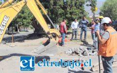 El peligroso socavón será por fin reparado, luego que se iniciaran los trabajos que demandan una inversión de 10 millones de pesos.