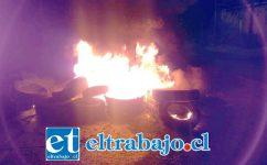 Las manifestaciones ocurrieron la noche de este lunes en el sector El Escorial de Panquehue. (Fotografías: @EmergPanquehue).