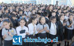 YA EN CASITA.- Miles de niños sanfelipeños regresaron a su segundo hogar para continuar con su formación educativa, aquí vemos a estudiantes del Cordillera.