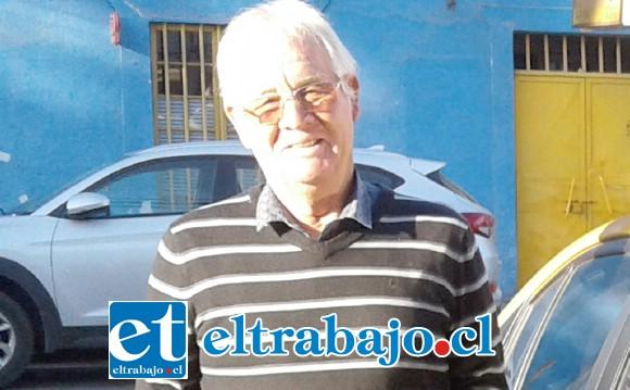 'Cocoa' Villarroel junto su taxi, se refirió al complejo momento que vive el Uní y la necesidad de que la empresa haga lo correcto.