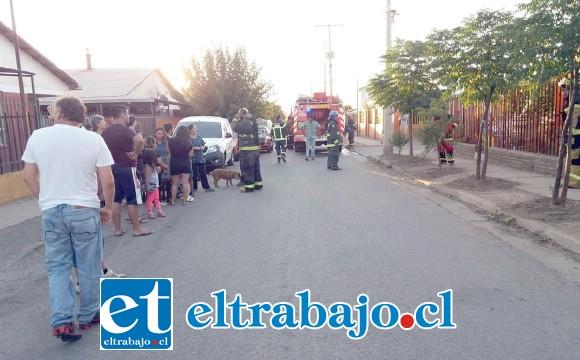 La emergencia ocurrió la tarde de este domingo en la población Los Robles de Santa María. (Fotografías: Emergencia Santa María).